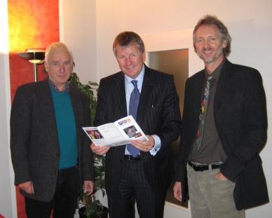 Lutz Stratmann (Mitte) mit Jürgen Bruhn und Achim Scholz