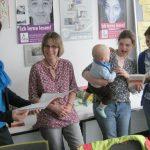 von li.: Katrin Hettlich, Kathleen Bleßmann, Nadine Poerschke mit Jakob und Helena Feller / Foto: Achim Scholz