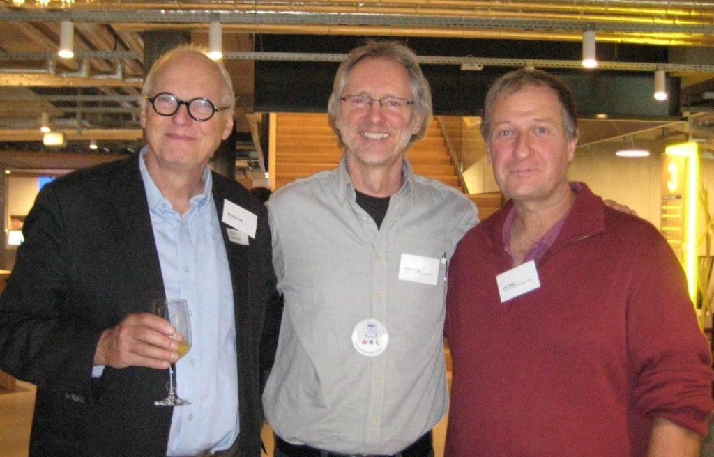 von li.: Kees Hamming (ehemaliger Präsident Stichting ABC Holland), Achim Scholz (Botschafter für Alphabetisierung in Deutschland), Urs Chiara (Präsident des Vereins Lesen und Schreiben Deutsche Schweiz)