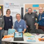 von li.: Nadine Engel, Kathleen Bleßmann, Achim Scholz, Karsten Cornelius, Ernst Lorenzen am Infostand | Foto: Axel Herzig