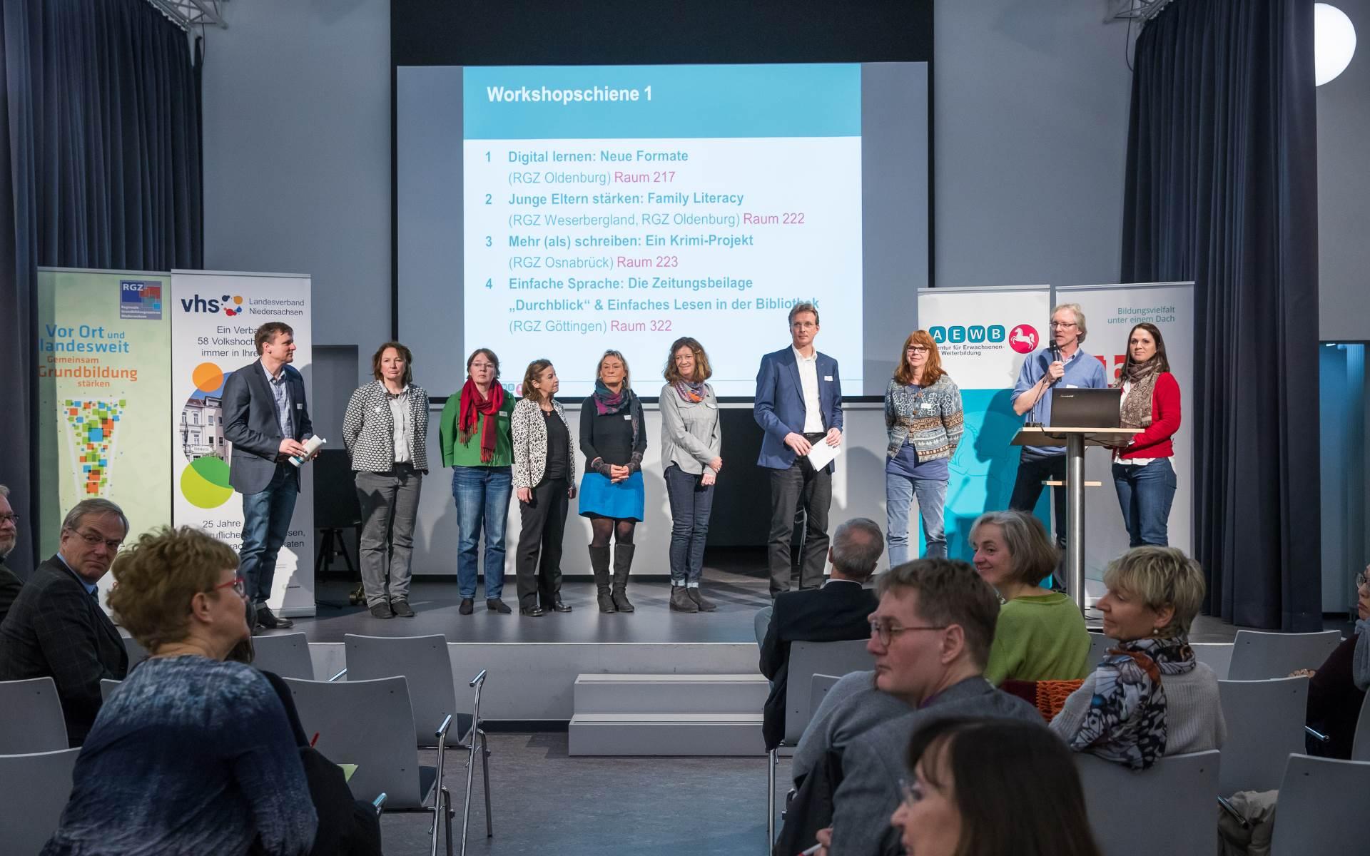 Die acht RGZ-Vertreter bei der Präsentation auf der Bühne | Foto: Axel Herzig
