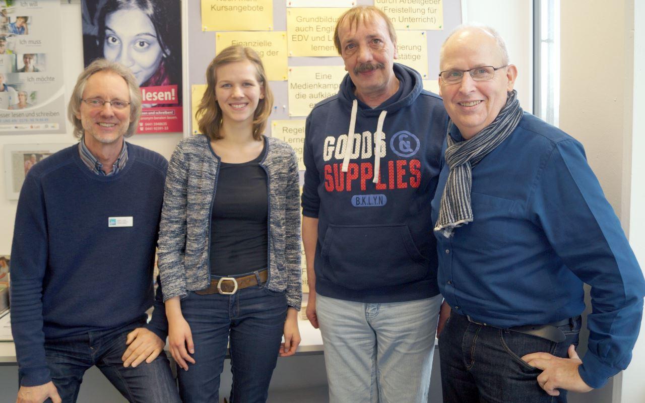 von li.: Achim Scholz, Freya Kunz, Hermann Fickenfrers, Ernst Lorenzen  | Foto: Katharina Nordenbrock