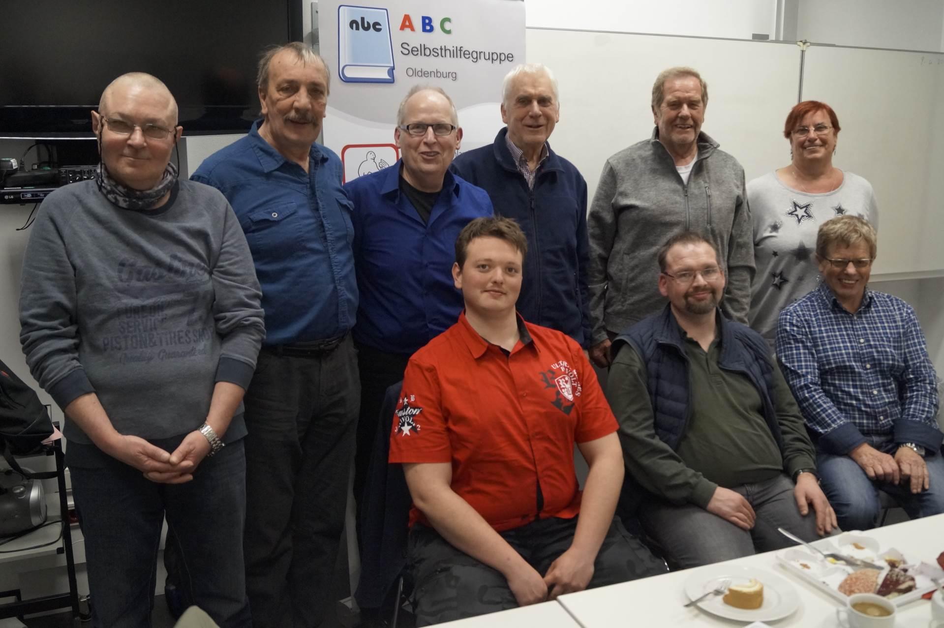 obere Reihe von re. nach li.: Bärbel Kitzing, Rolf Spankus, Jürgen Bruhn, Ernst Lorenzen | Foto: Achim Scholz