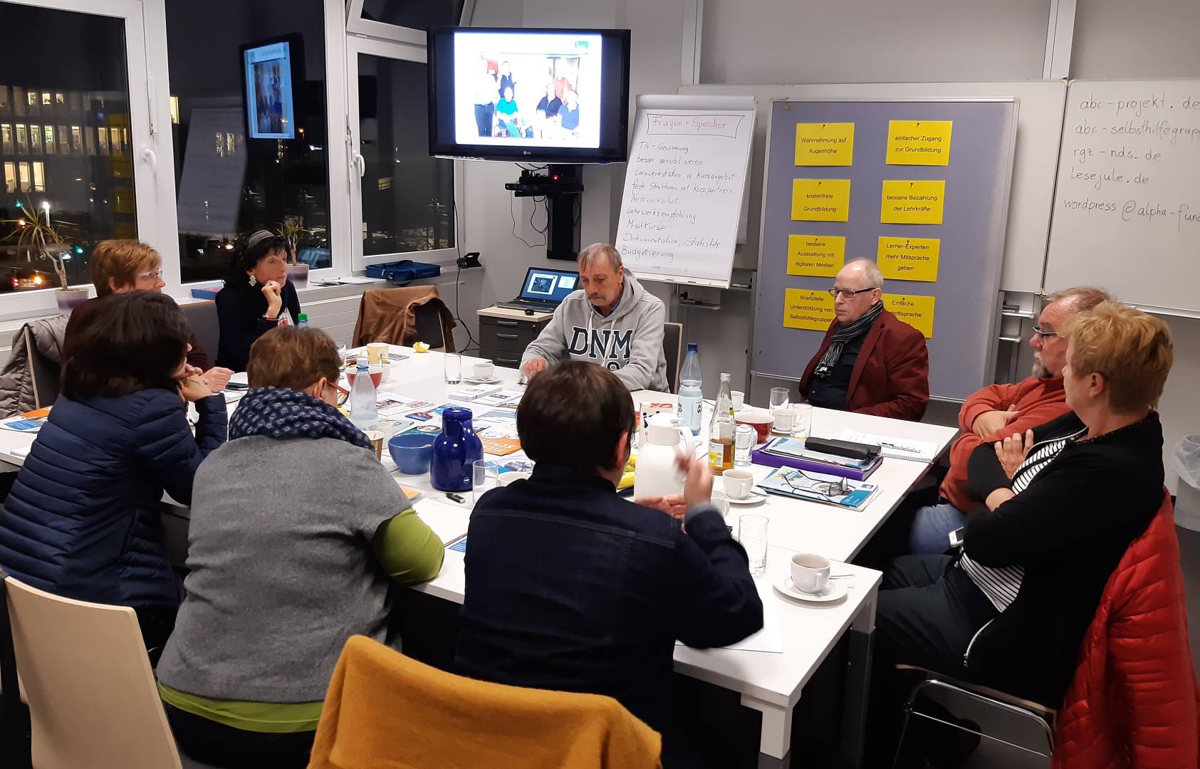 Ernst Lorenzen und Hermann Fickenfrers berichten über erfolgreiche Aktionen