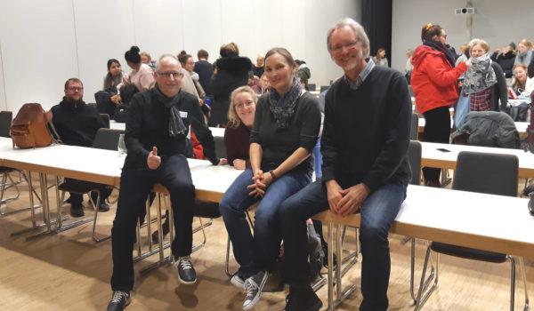 Von li.: Ernst Lorenzen, Anna-Maria Hintz und Achim Scholz im Hörsaal