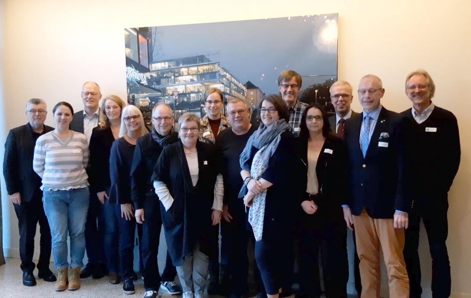 Die Teilnehmenden am politischen Gespräch im Landtag zu Hannover